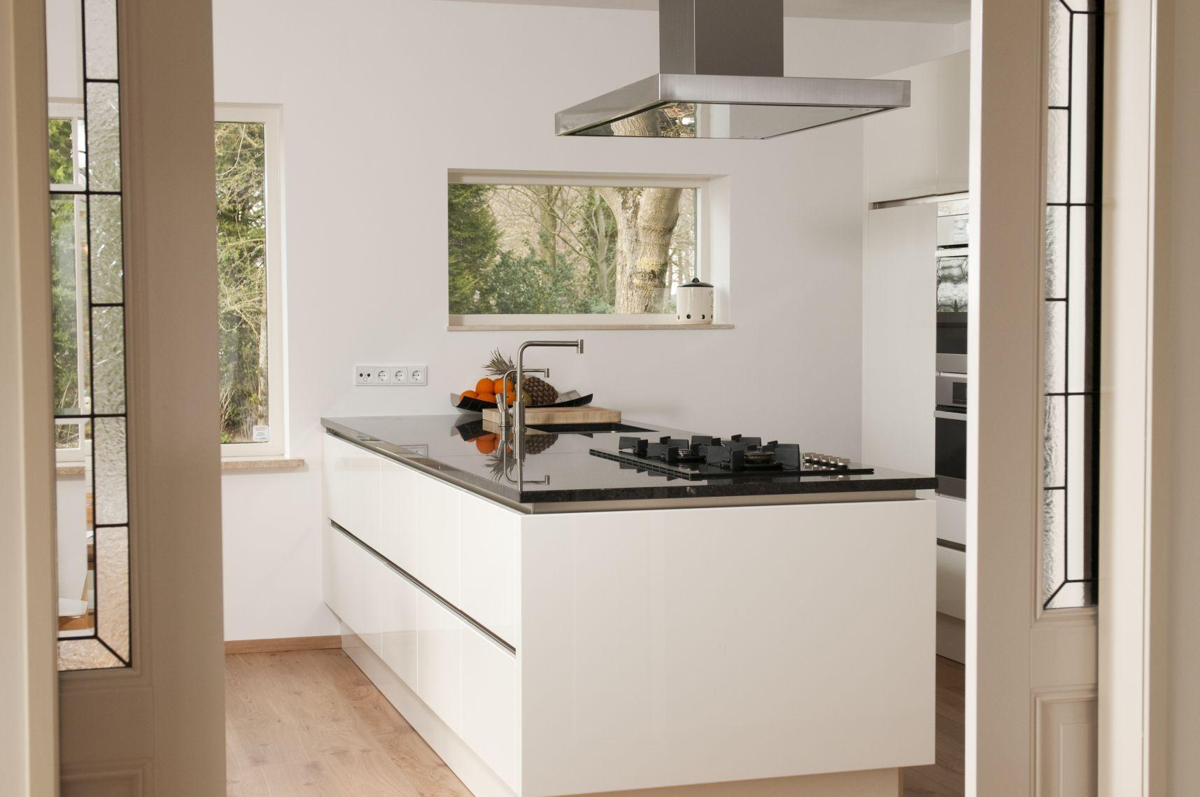... idea 20 : Mooie witte moderne design keuken met keukeneiland keukens