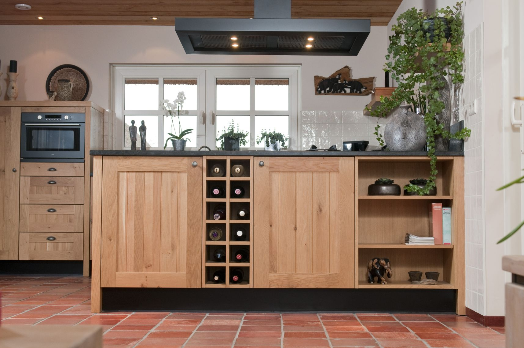 Keuken Eiken Massief : Images of Tile Floors with Oak Furniture